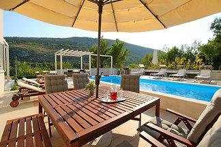 NUOVO! Villa Donari - OFFERTA SPECIALE !!