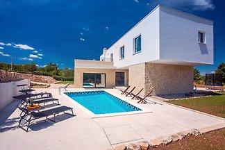 Moderne Villa M30 mit privatem Pool