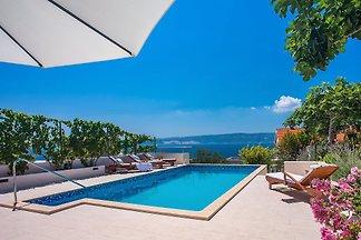 Villa Dasianda 90m from beach