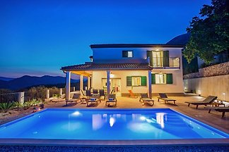 Villa Belina, heated 32sqm pool
