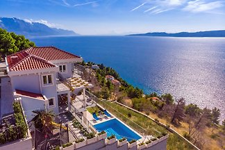 SPECIAL OFFER! Villa S&A with pool