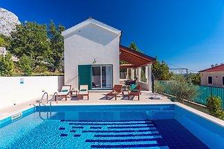NEW! Seaview Villa Anet