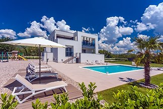 Villa Marijeta with heated pool