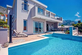 Villa Antares - 120m to sandy beach