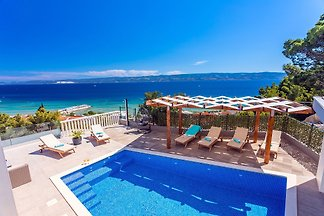Villa Matan- Pool mit Meerblick