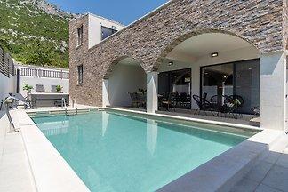 NEU! Villa EDEN mit beheiztem Pool