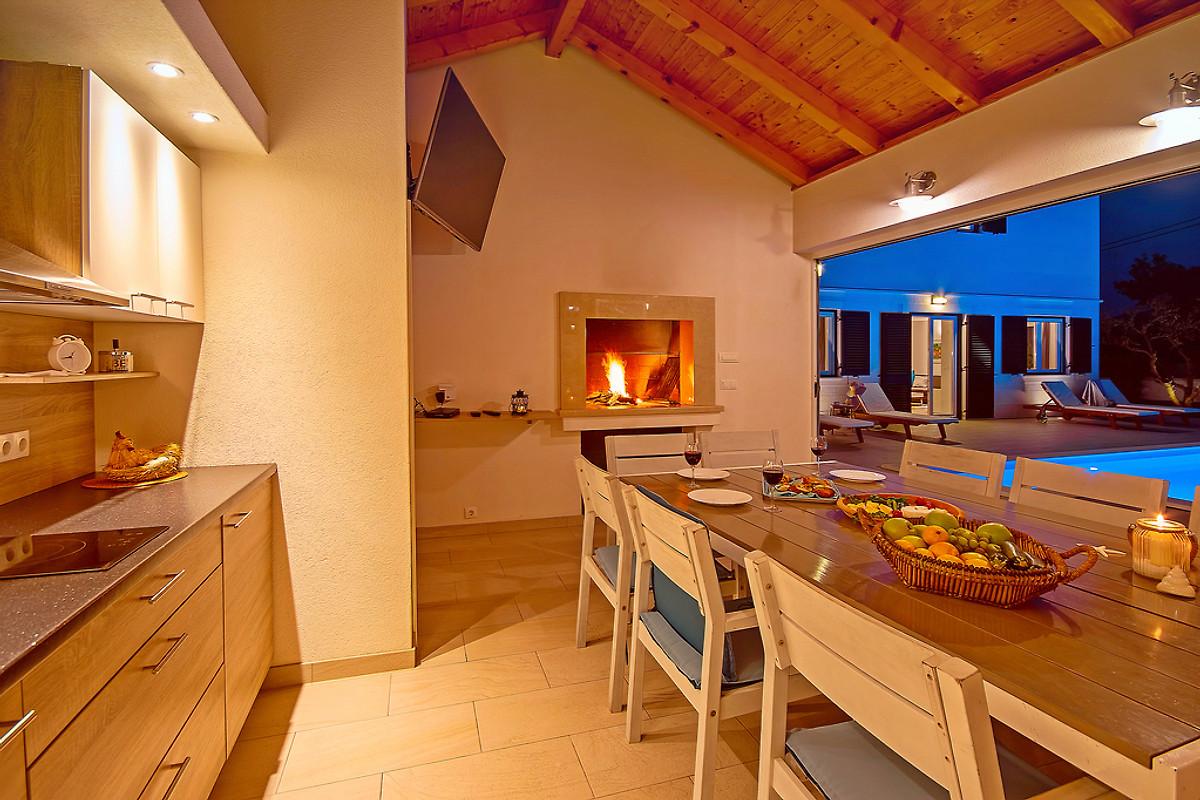 Sommerküche Englisch : Villa stozak in der nähe von omiš in tugare firma feriehome feriehome