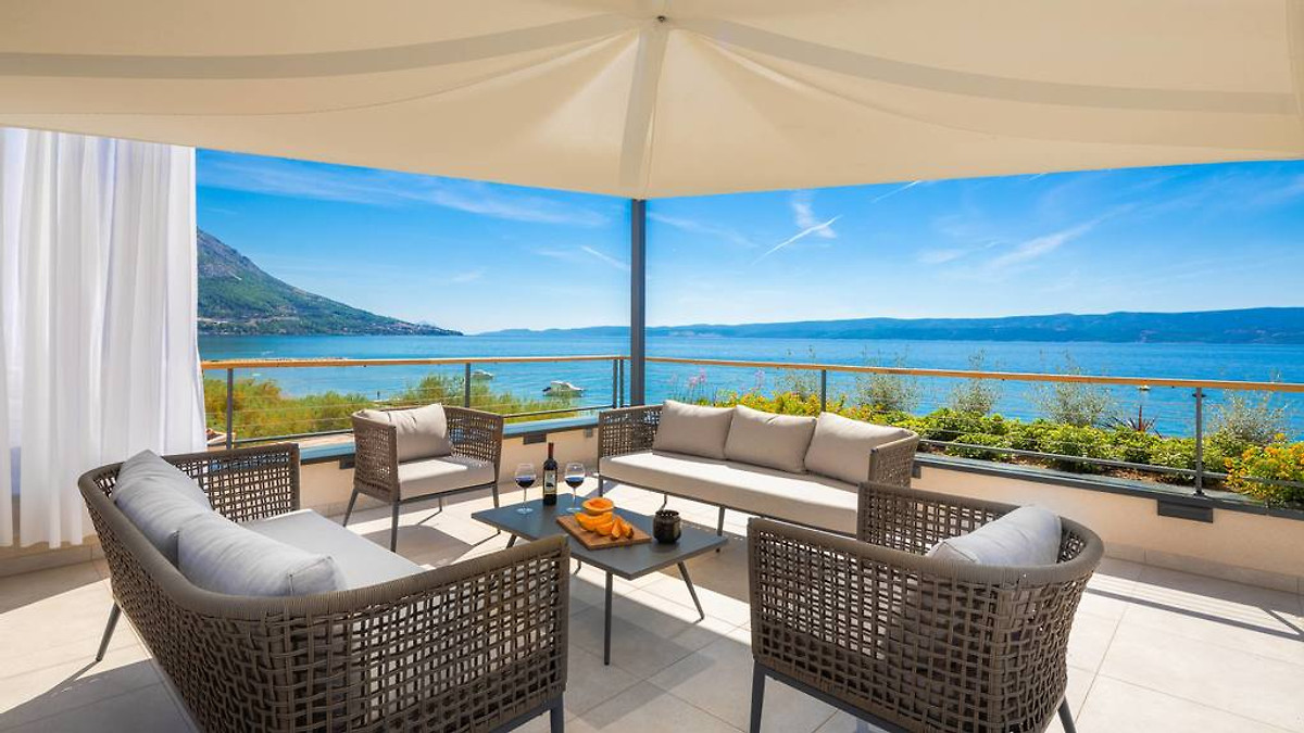 luxus strand villa flores ferienhaus in duce mieten. Black Bedroom Furniture Sets. Home Design Ideas