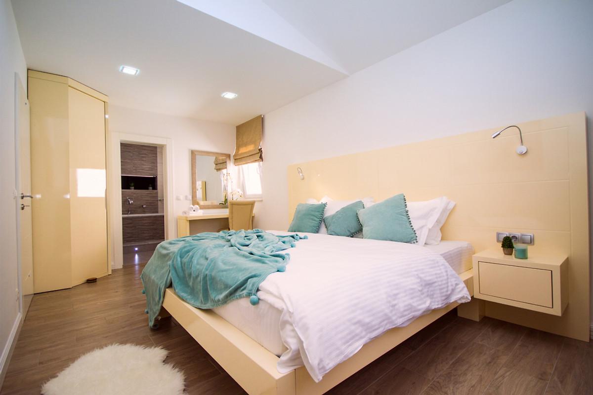 Schlafzimmer No4 Ensuite Mit Doppelbett 180x200cm (Schlafzimmer No5 Ist Das  Glei