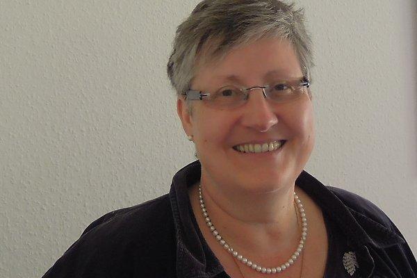Frau M. Chall