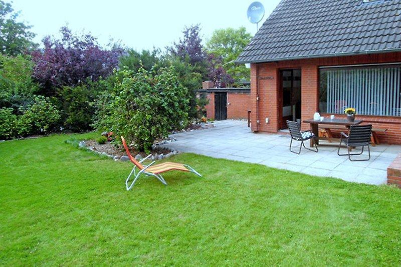 Ferienhaus Hortensie mit Garten und Terrasse