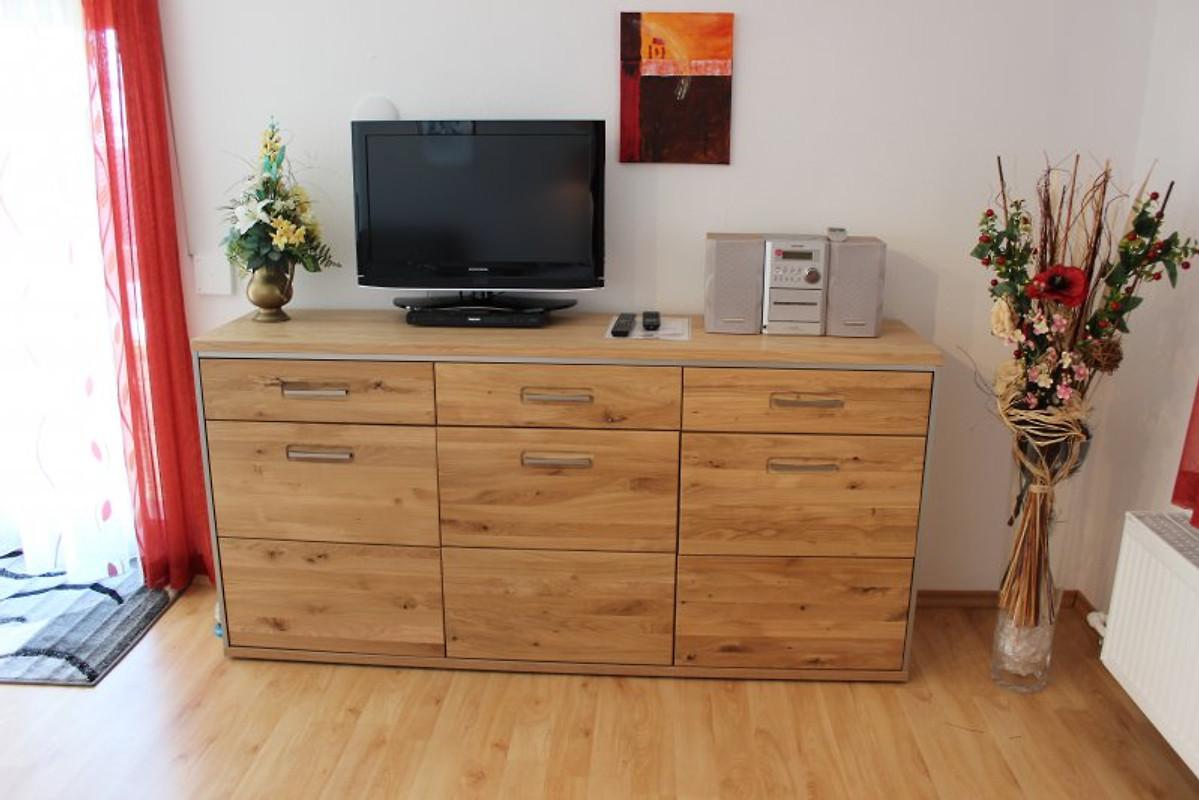 Ferienwohnung haus wessels ferienwohnung in oberreute mieten for Wohnzimmer 33 qm