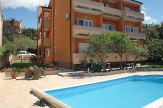 Casa con piscina Sany