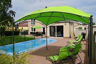 Traumhaus mit pool in deutschland  Ferienhäuser & Ferienwohnungen mit Pool in Deutschland