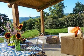 Lovely relaxing Tuscan holiday home, large covered porticato with great views and sunsets, off-road parking, free wifi