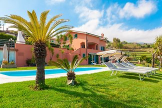 Large luxury villa with garden, pool and sea view, in Sanremo