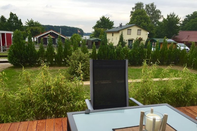 Terrasse mit Blick auf den Dümmer See