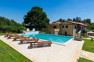 Villa Sany mit Pool