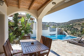 Luxury home in southern Crete Pitsidia