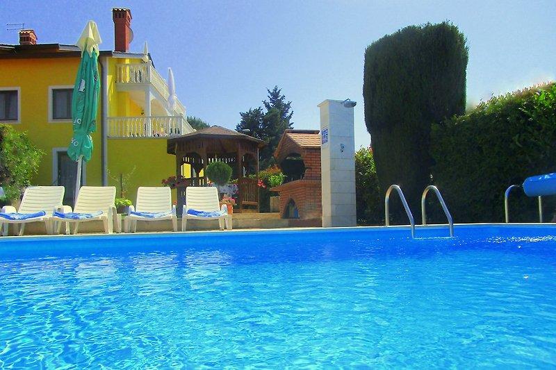 Ferienhaus mit Pool...