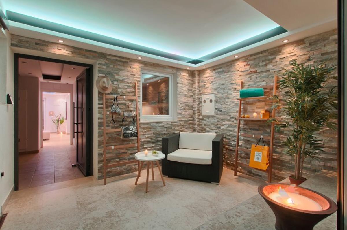 casa a gadda da vida ferienhaus in premantura mieten. Black Bedroom Furniture Sets. Home Design Ideas