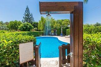 Villa Ulivo  piscina Mare a 15 min.