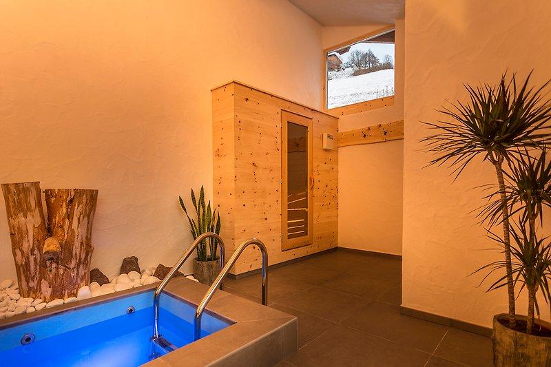 Sauna mit Tauchbecken