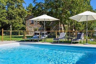 Huis met privé zwembad & airco
