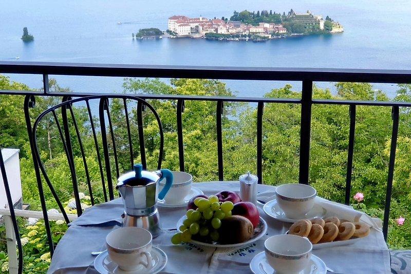 Frühstück mit Vista Isole