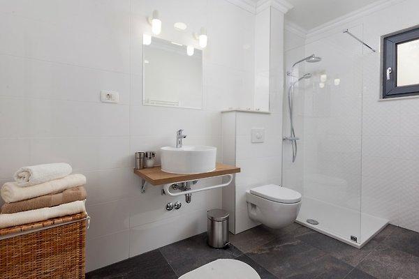 Villa petra fur 6 2 personen ferienhaus in makarska mieten for Badezimmer 16m2