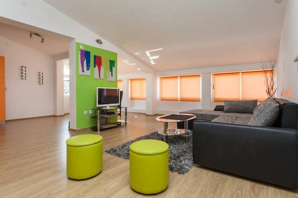 Große Wohnung 2 in Pula - Bild 1