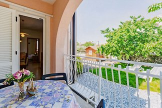 Apartment with garden and cozy terrace. Top accommodation for up to 6 people.