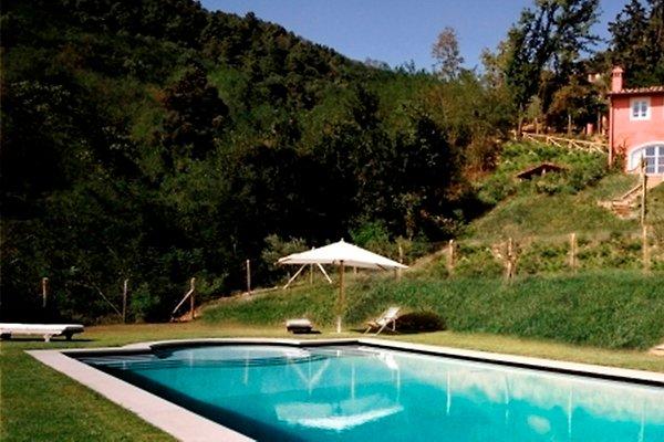 Villa madonna piscine priv e l gante maison de for Piscine 17eme