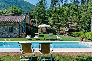 Casa Monic, very quiet, pool.