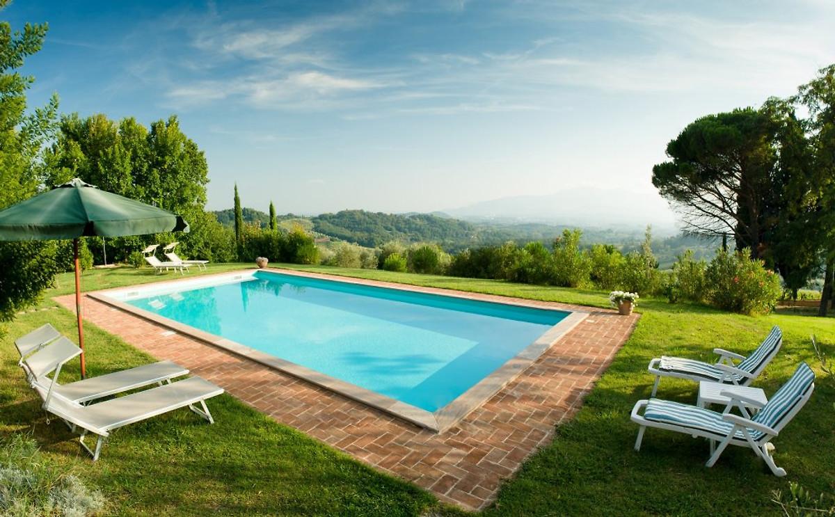 Villa l gante traditionnelle 10 peopl maison de for Piscine traditionnelle prix