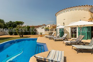 Villa Requesens, Empuriabrava