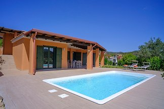 VILLA GINESTRA WITH PRIVATE POOL
