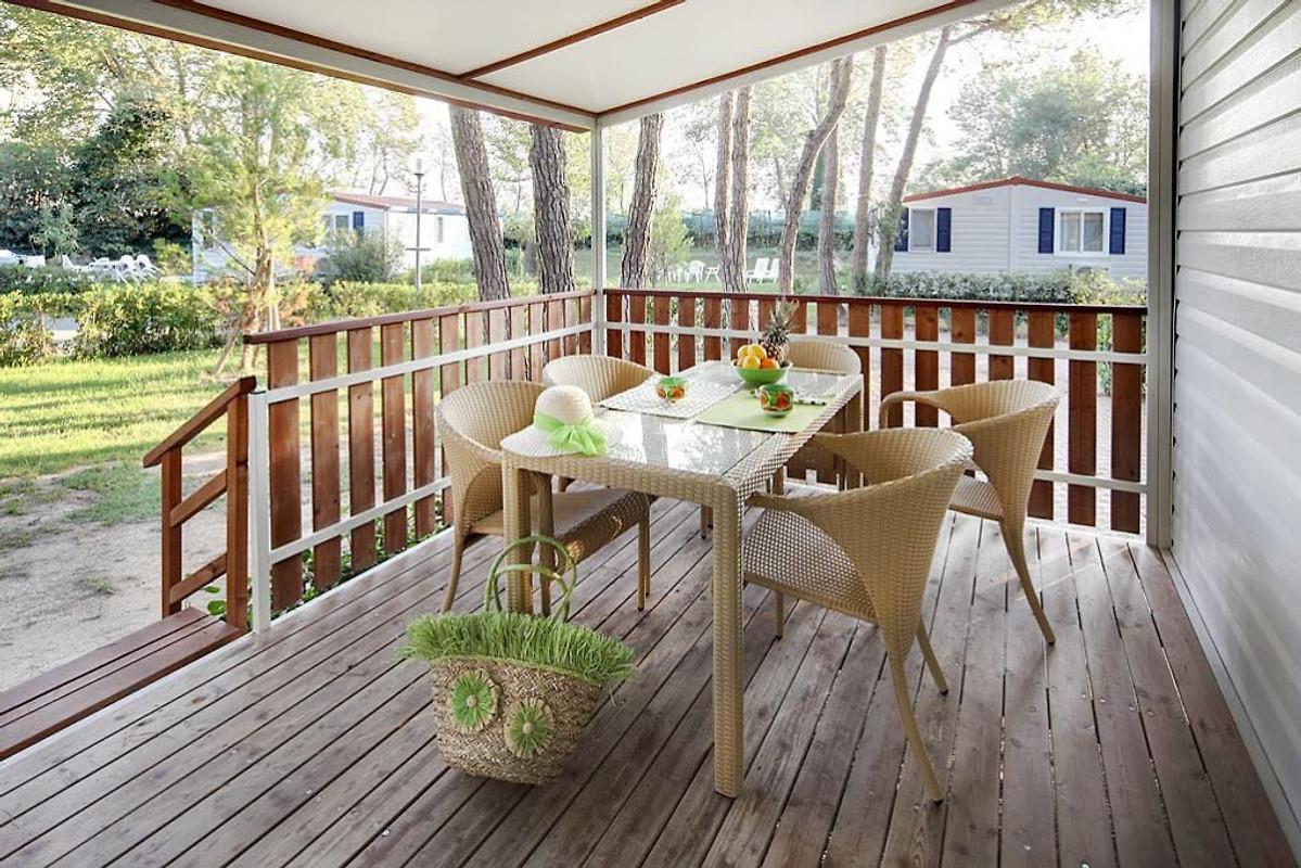 ferienanlage pino mare ac ferienwohnung in lignano. Black Bedroom Furniture Sets. Home Design Ideas