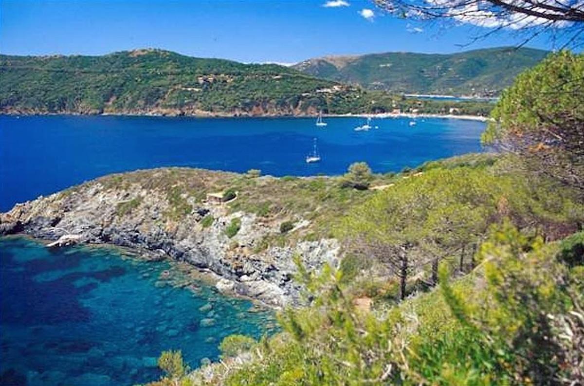Residence casa del golfo vakantie appartement in capoliveri huren - Centrale eiland prijzen ...