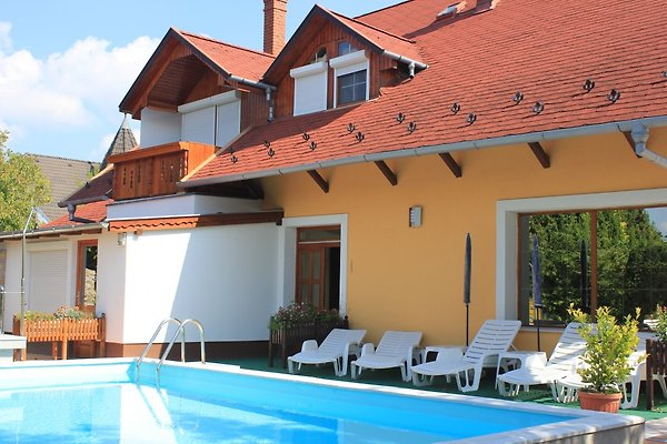 Holiday flat in Gyenesdiás - picture 1