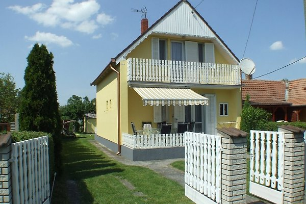 Holiday home in Balatonmáriafürdö - picture 1
