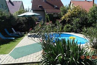 Ferienhaus Linda mit Pool