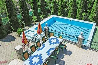 Villa Anett mit Pool