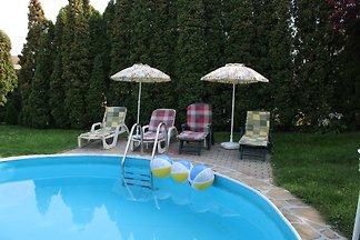 ALEX Ferienwohnung mit Pool