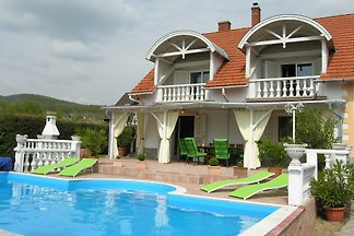 Ferienhaus Judy mit Pool