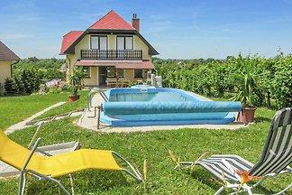 Ferienhaus VIVIEN mit Pool