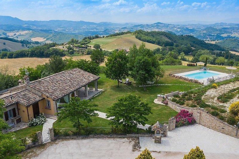 Casa Emanuela - Villa in den Hügeln der Marken
