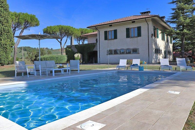 Villa Nella -  Schwimmbad geöffnet von Mai bis September