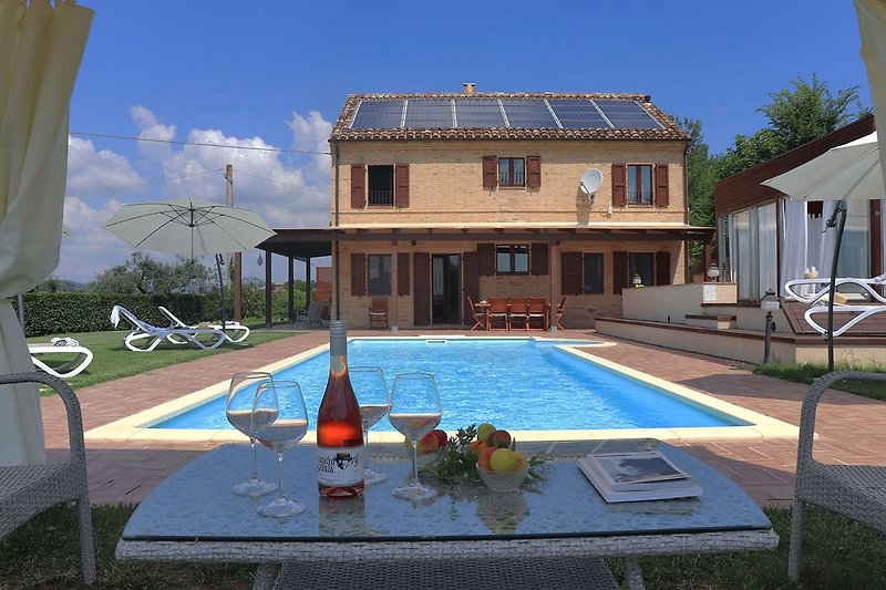 Villa Greta - Private villa with pool and jacuzzi at 20 km from the beach