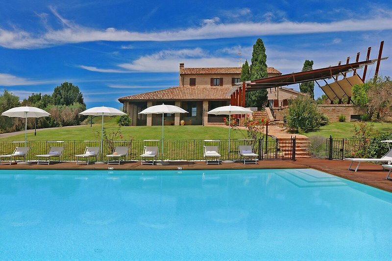 Villa Monica - Private villa with pool for groups up to 11 guests